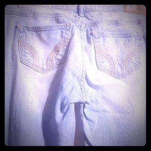 Light wash distressed Hollister jeans bootcut 3L